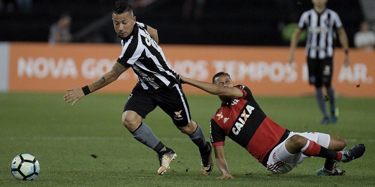 """Leo Valencia le pone sus fichas a Rafael Vaz en la U: """"Yo lo enfrenté y es un gran jugador"""""""