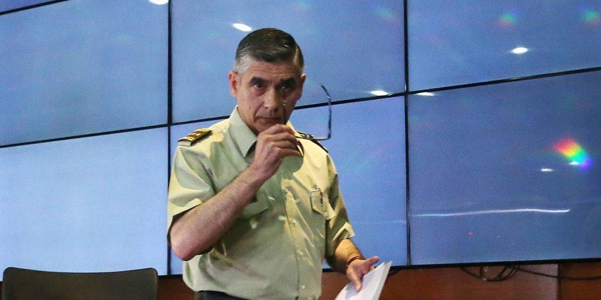 """Siguen las renuncias de Carabineros en el primer día de Piñera como Presidente: ahora dimitió general Gonzalo Blu, clave en """"Operación Huracán"""""""