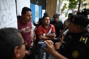 manifestantescongresoencadenado8-1fd6b2fa9646edd193cda837664ff352.jpg
