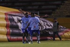 Macará venció a El Nacional en los últimos minutos