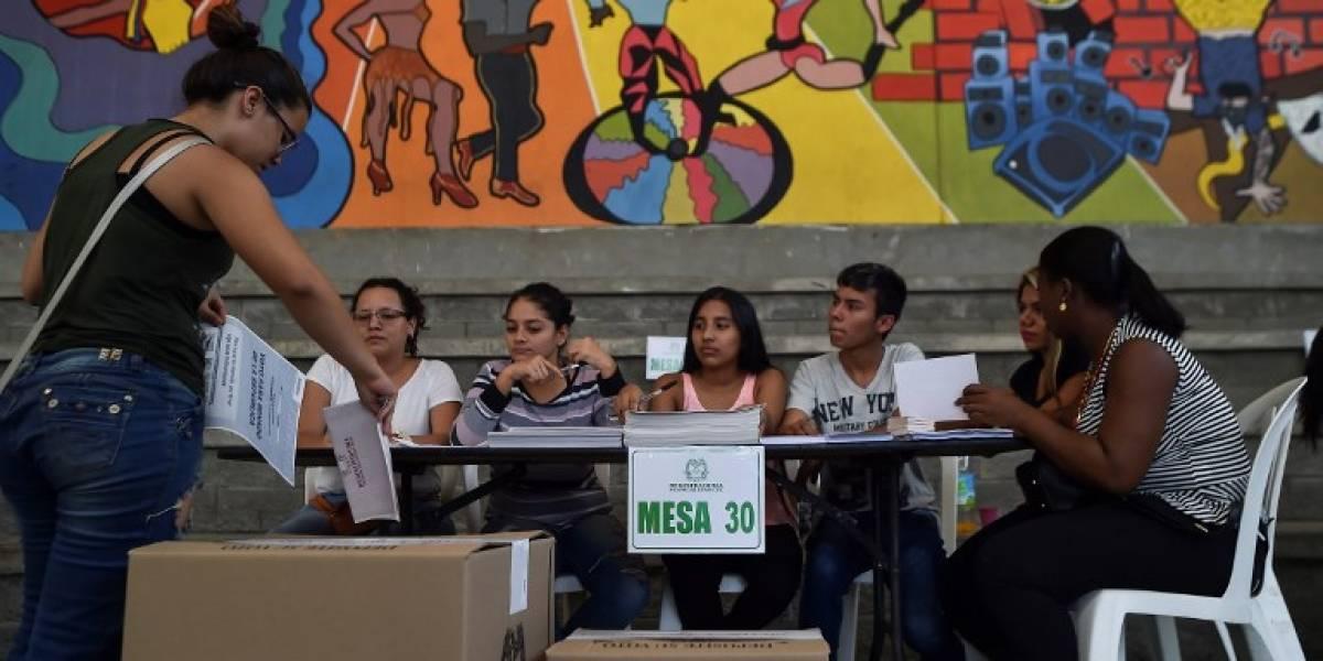Opositores a acuerdo de paz dominan legislativas en Colombia