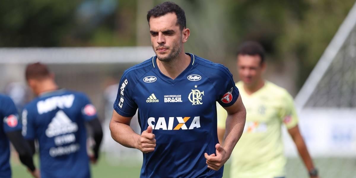 Réver é vetado e Rhodolfo se diz pronto para defender Flamengo no Equador