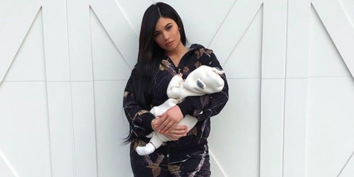 Kylie Jenner muestra primera foto de su hija Stormi sin filtros