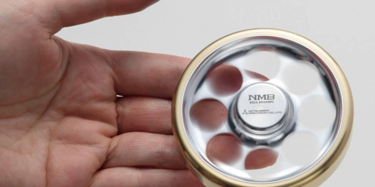Este fidget spinner marca récord Guinness de tiempo de giro y fue creado por 50 personas