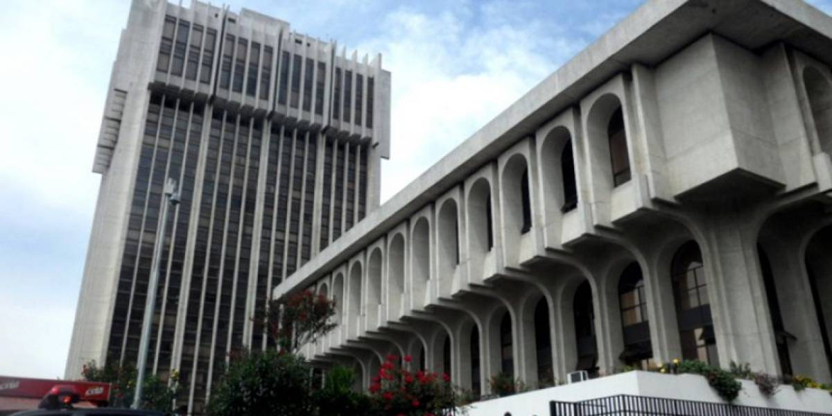 Piden respeto a las garantías constitucionales durante procesos judiciales