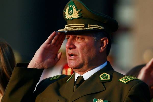Bruno Villalobos renunció