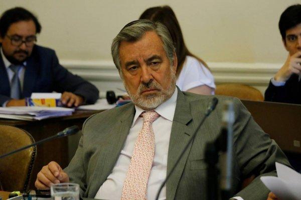 """Alejandro Guillier propuso a Bolivia """"territorio por territorio"""""""