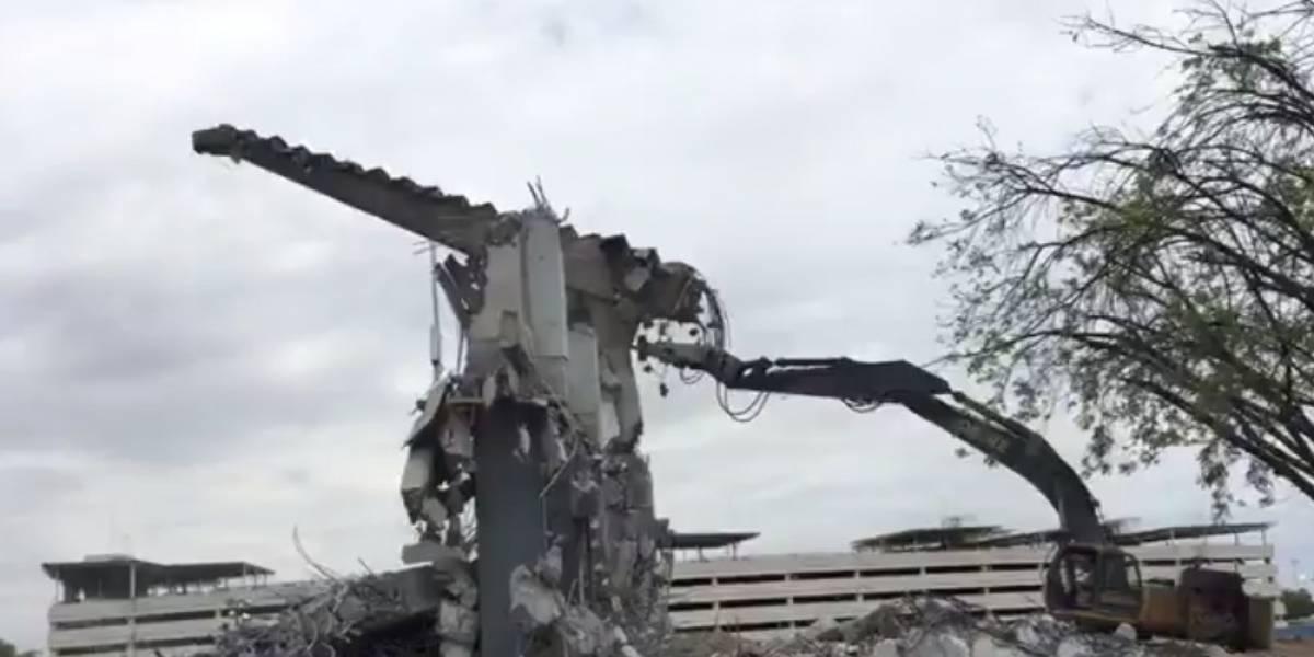 VIDEO: Derriban la última columna del Tec de Monterrey tras 68 años de vida