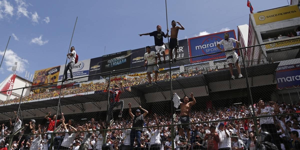 La asistencia a los estadios mejora mientras dura la polémica de la TV