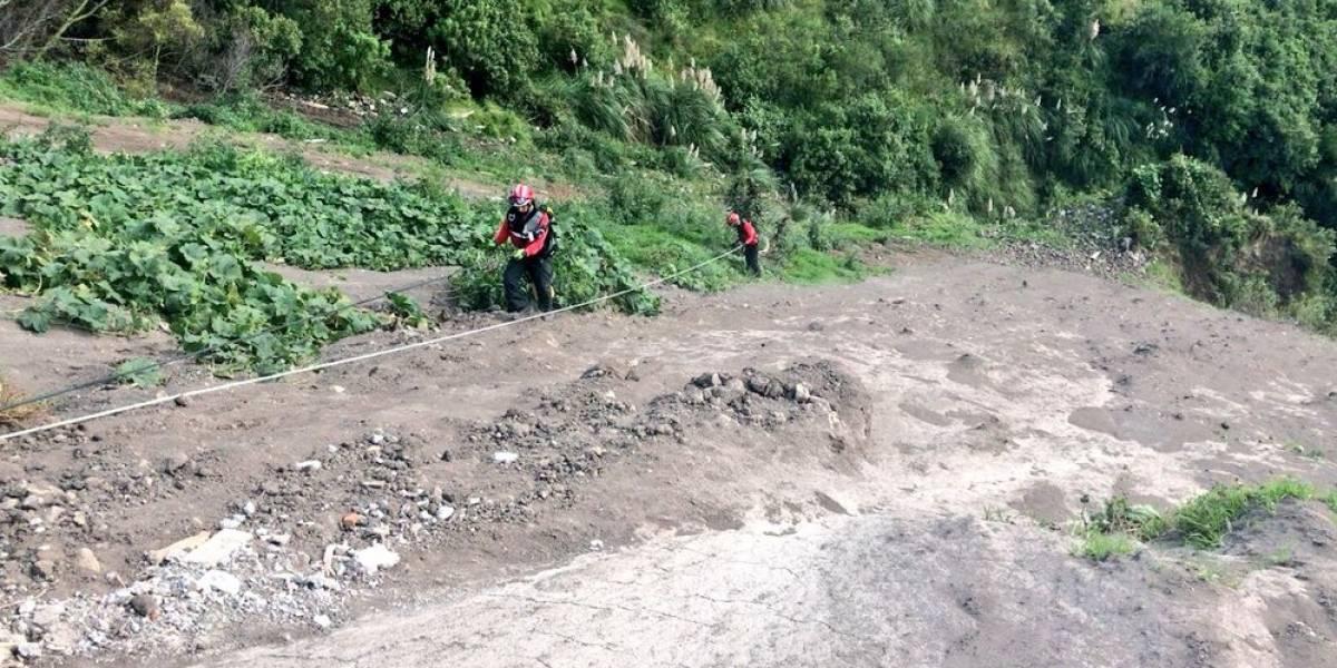 Cuerpo de joven es hallado en quebrada de 150 metros
