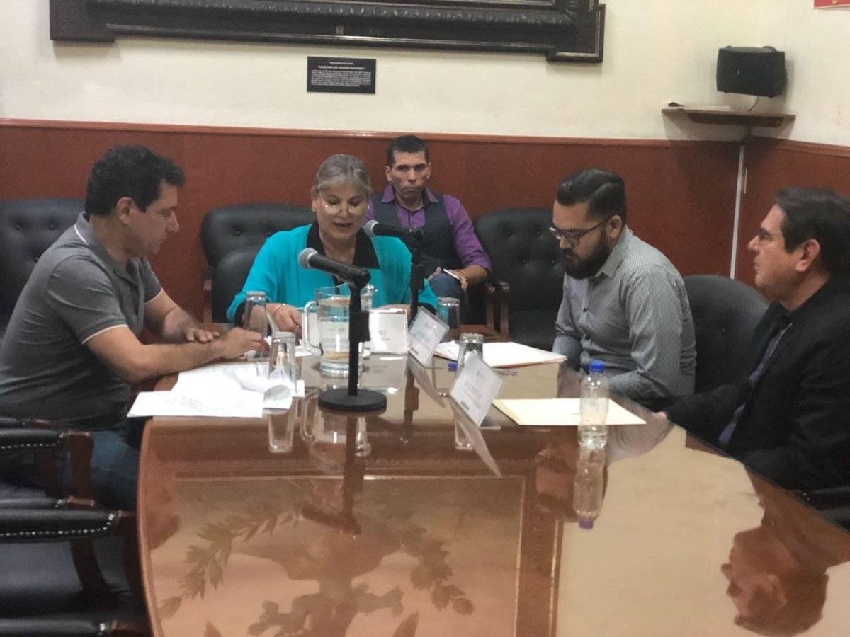 Continúan las desbandadas en partidos políticos de Jalisco