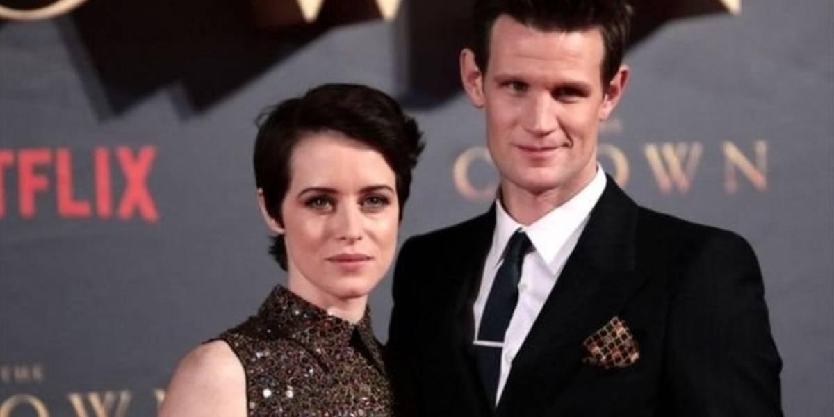 """Por qué en la serie """"The Crown"""" de Netflix la reina, interpretada por Claire Foy, ganaba menos que su príncipe, protagonizado por Matt Smith"""