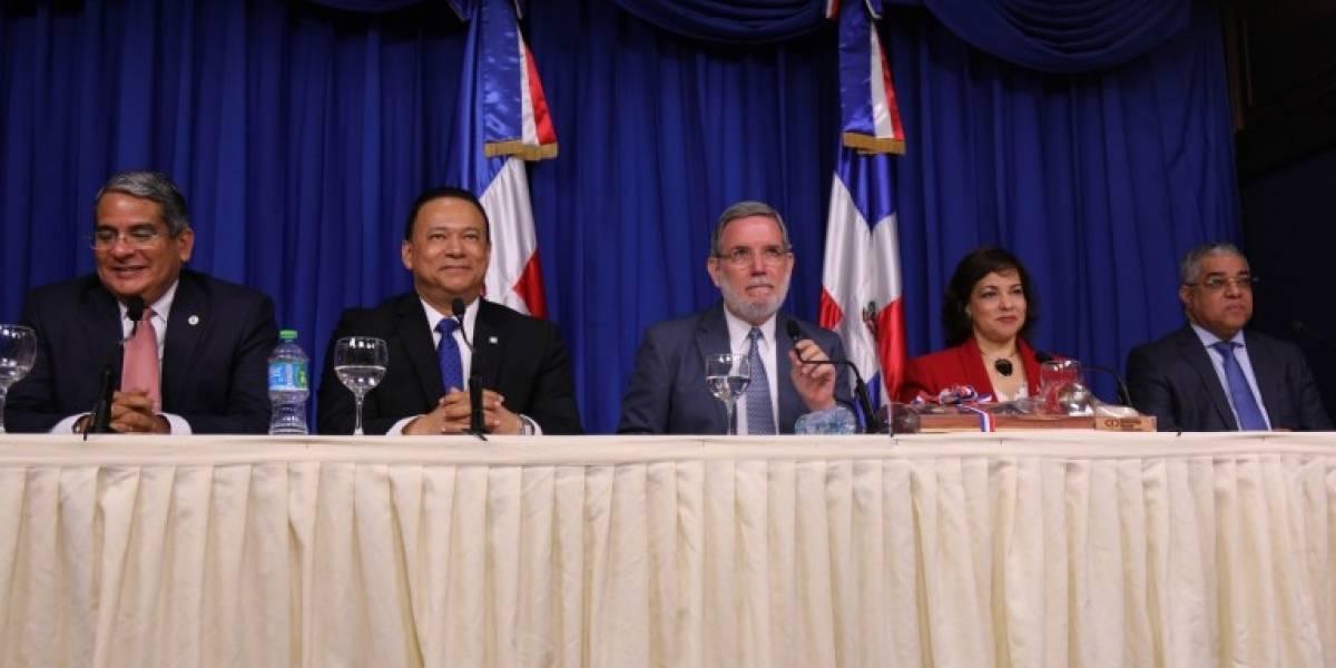 Instituciones del Estado hablan de transparencia