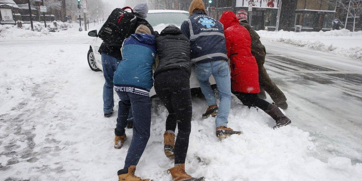 Ciclón invernal provoca caos en Estados Unidos