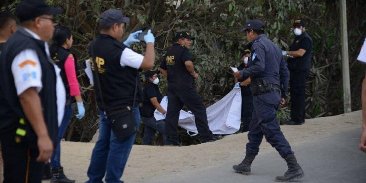 Abandonan cadáver de mujer en ruta a San Pedro Ayampuc