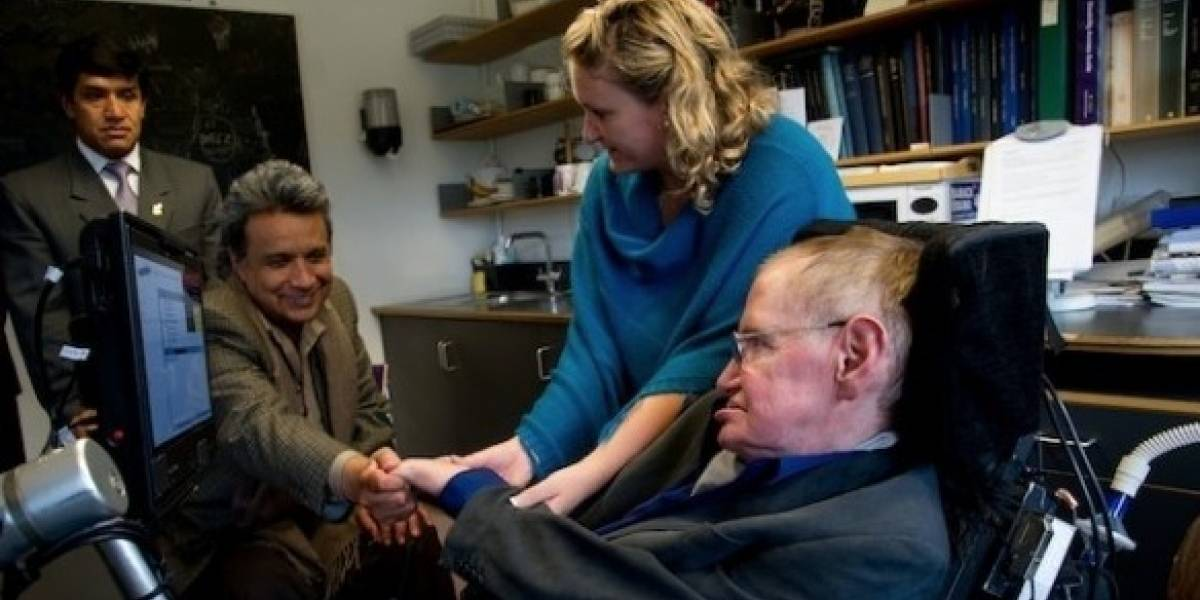 Lenín Moreno lamenta la muerte de Stephen Hawking