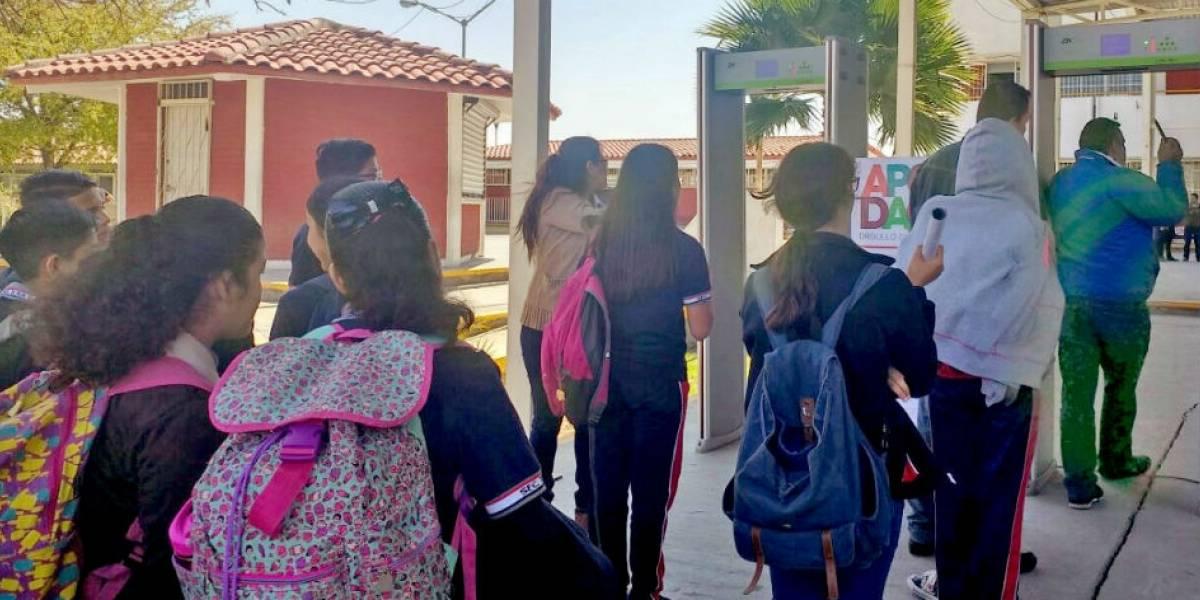 Critican retiro de detectores de metal en escuelas de Apodaca
