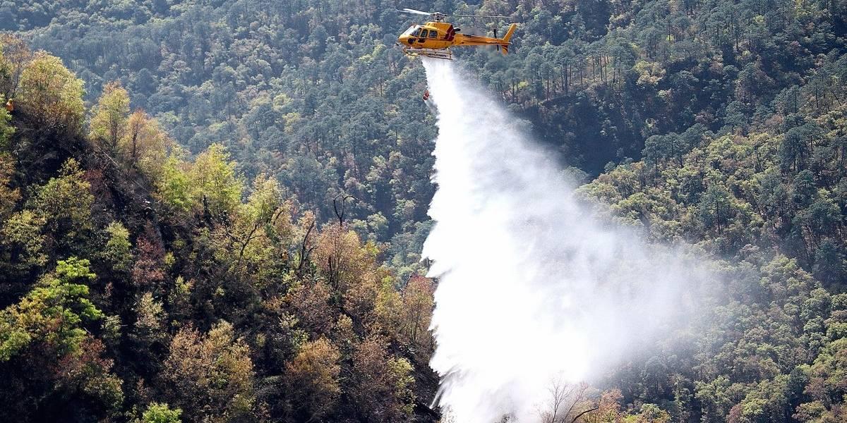 Autoridades de Nuevo León apagan incendio forestal en Sierra de Santiago