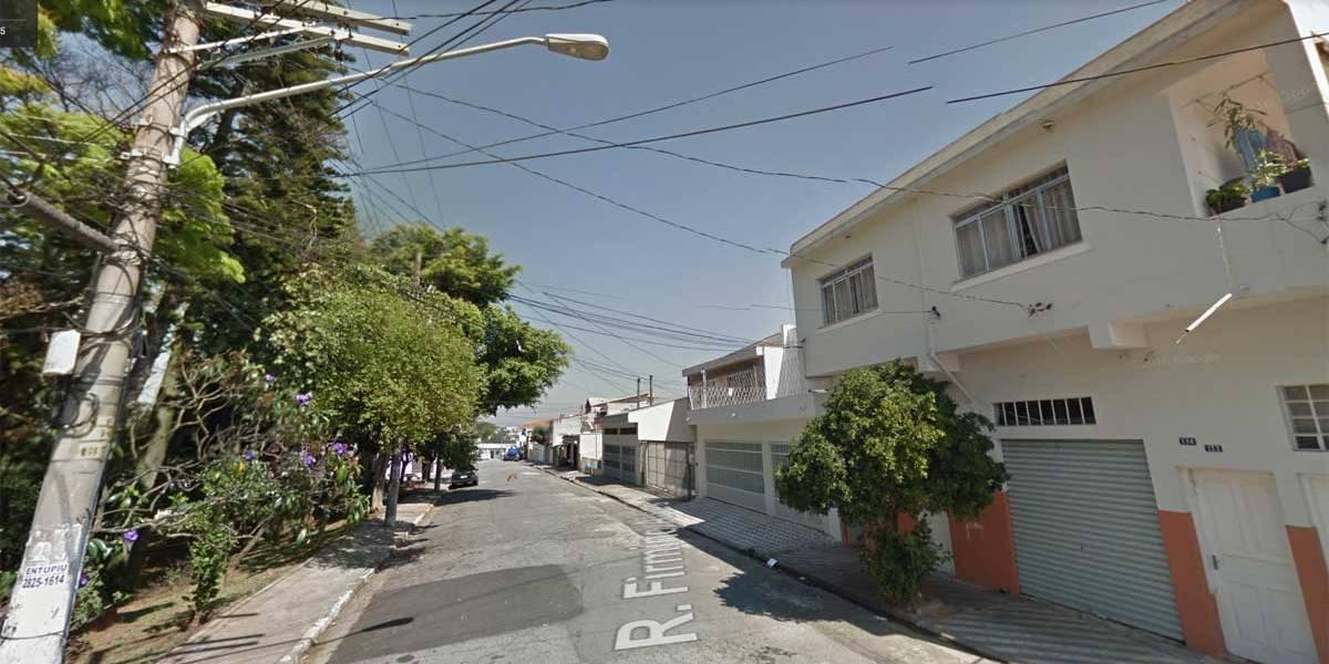 Dois homens morrem baleados dentro de carro na zona leste de SP