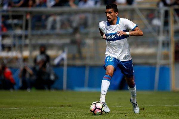 Branco Ampuero ha jugado todos los minutos oficiales de la era Beñat San José en la UC / Foto: Photosport