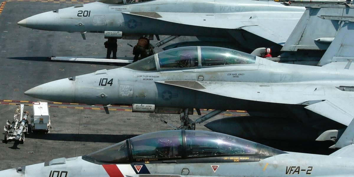 Avión de la Marina de EEUU choca frente a Florida