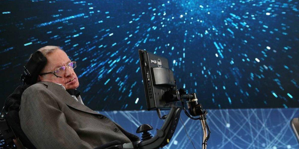 Stephen Hawking conocía la fórmula para tirar el penalti perfecto