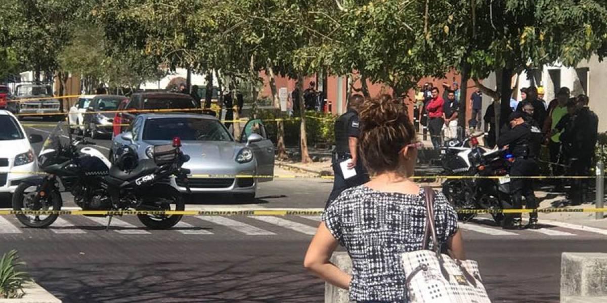 Asesinan a hombre en el cruce de Vidrio avenida Chapultepec