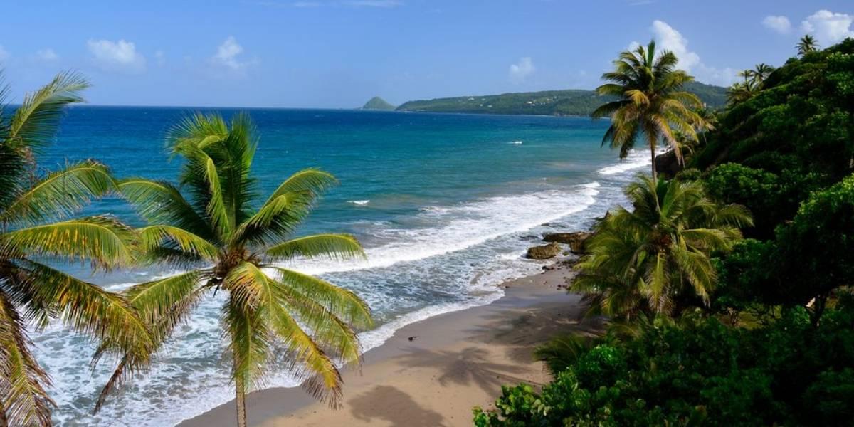 """El volcán submarino en el Caribe """"Kick """"em Jenny"""" que tiene en alerta a las autoridades por su creciente actividad sísmica"""