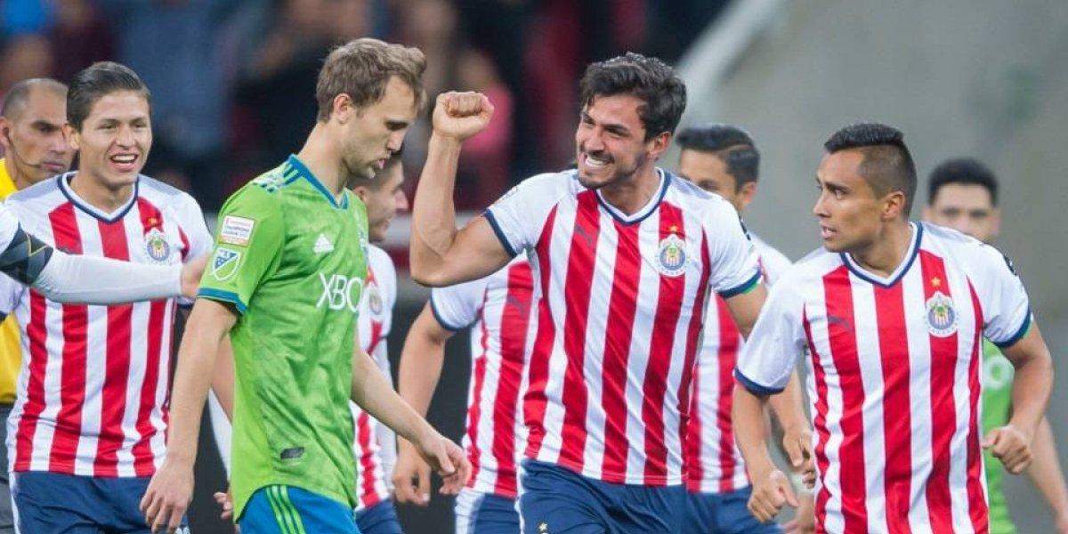 Chivas golea, remonta y va a las semifinales de Concachampions