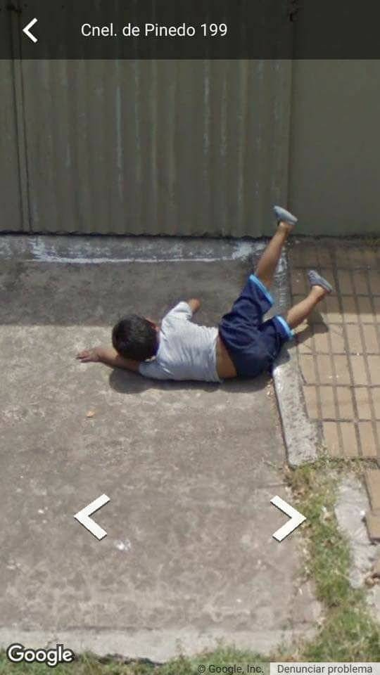 Niño que se cae en Google Maps
