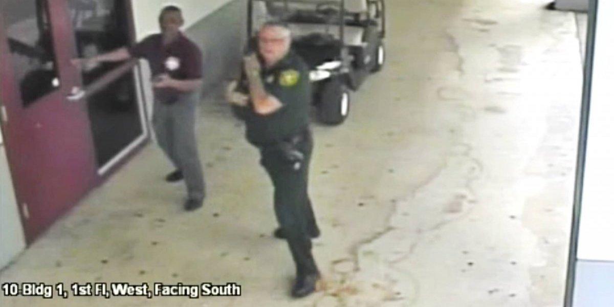 Policía nunca entró en escuela de Florida tras masacre