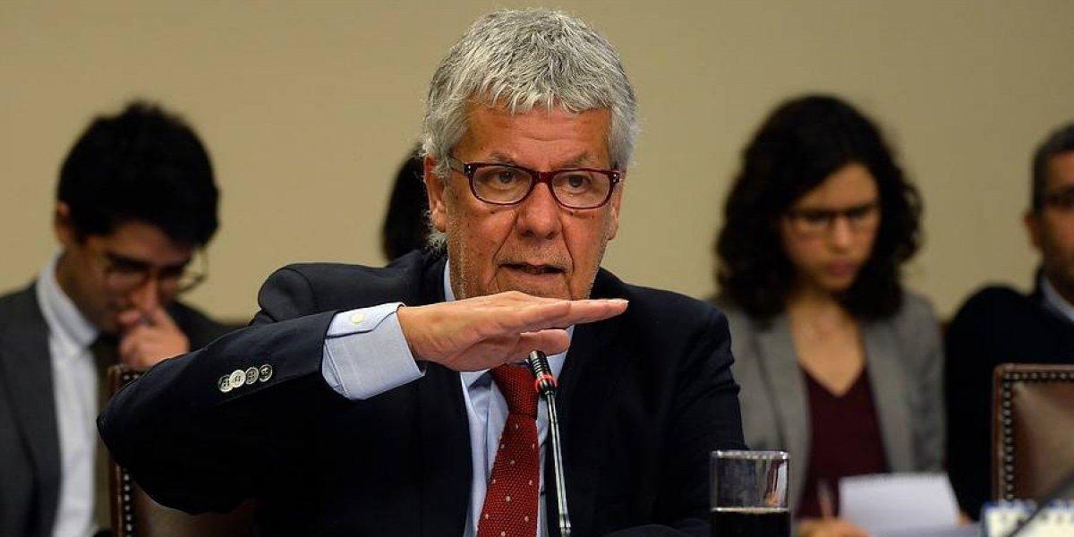 """Eyzaguirre le responde al ministro de Economía: """"Está mal informado sobre el déficit fiscal"""""""