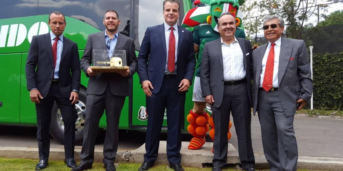 El Tri presenta autobús oficial para el Mundial de Rusia 2018