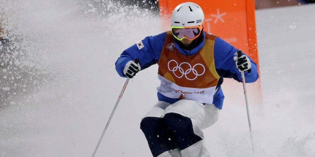 Corea del Sur veta a dos esquiadores de por vida, por acoso