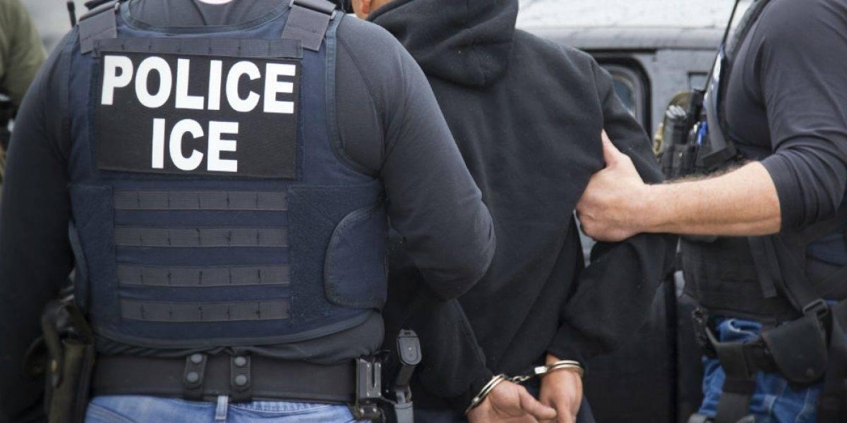 Mueren dos mexicanos al chocar tras huir agentes de inmigración en EU