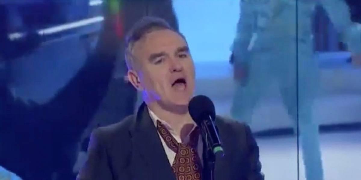 Caos, playback y confusión en la presentación de Morrissey en tv mexicana
