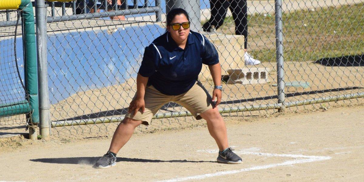 Debuta Liane Villanueva como dirigente de sóftbol femenino