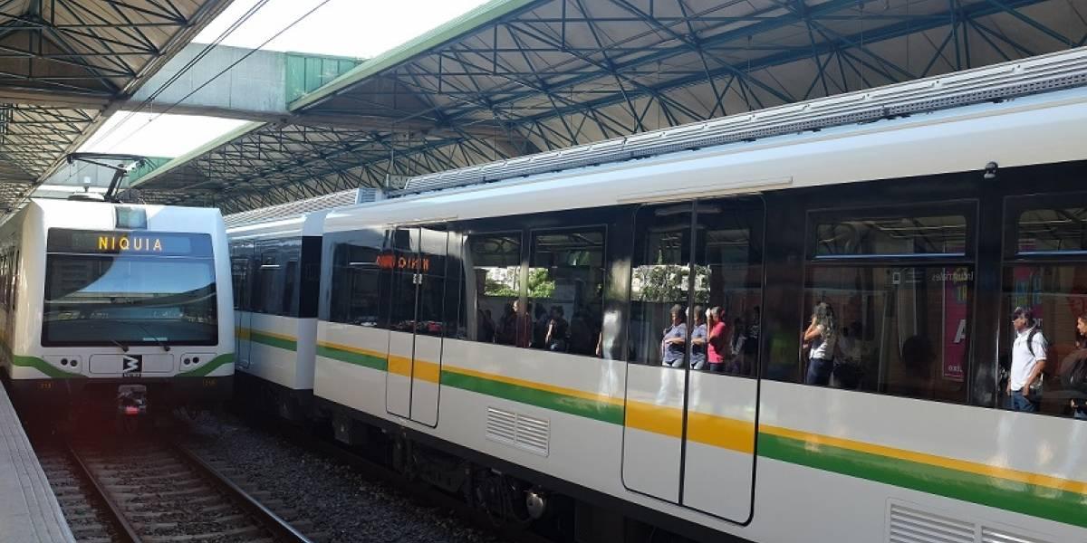 ¡Impresionante! Un hombre lanzó a otro a las vías del Metro de Medellín