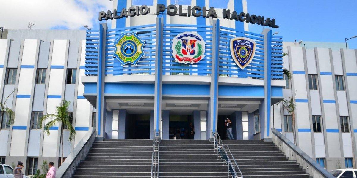 PN apresa tres de cuatro hombres que asaltaron gasolinera en Azua
