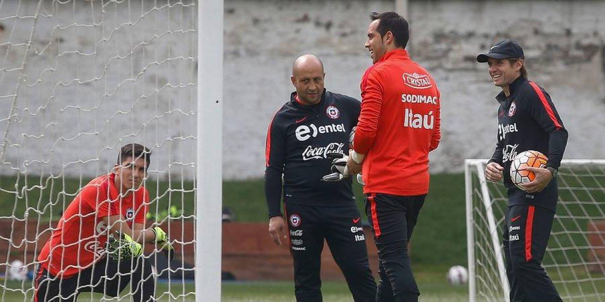 """Ex preparador de arqueros de la Roja tras duros dichos de Bravo: """"No es la forma de denigrar a una persona"""""""