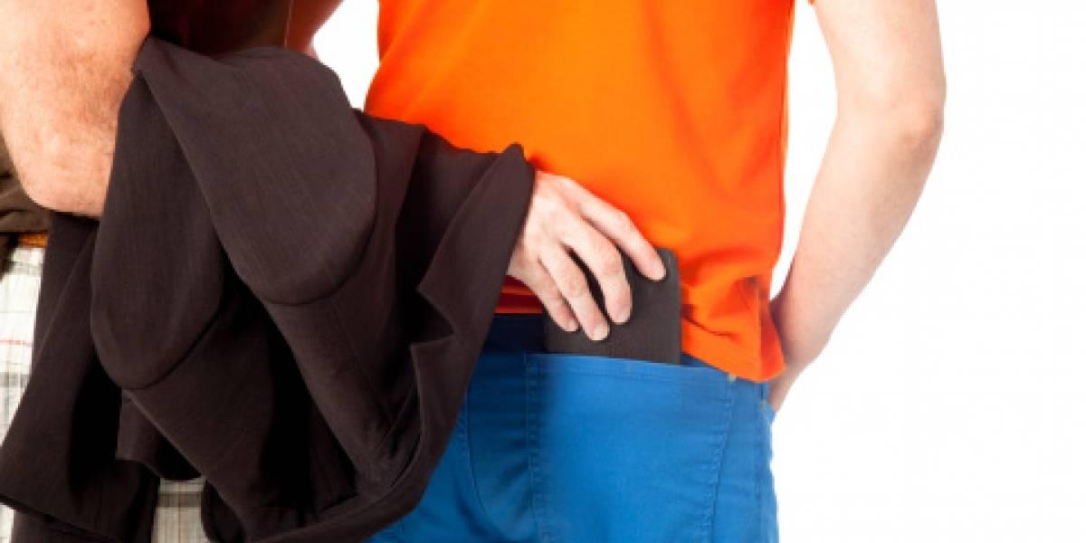 Hombre creyó que le habían robado la billetera y armó un escándalo, pero la historia tuvo un giro inesperado