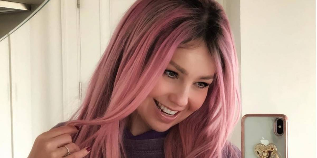 Thalía asegura en un video que está poseída