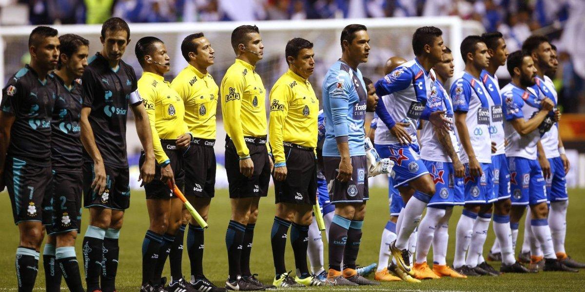 VIDEO: Futbol mexicano rinde minuto de aplausos a Ezequiel Orozco