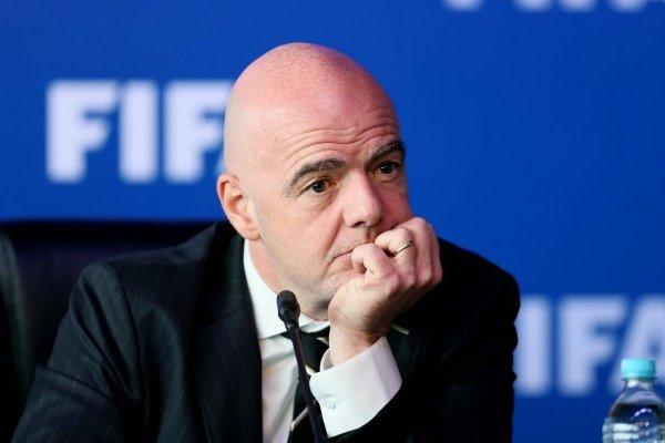 Tres jugadores suizos deberán pagar multas económicas