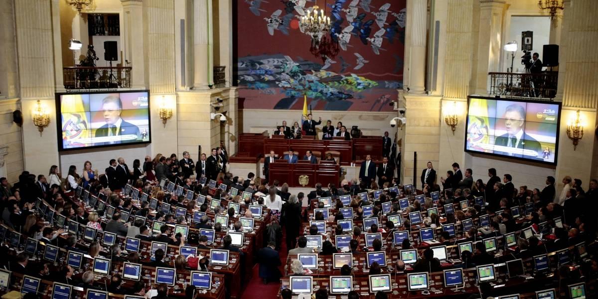 Fiscalía investiga si dos congresistas son miembros del ELN