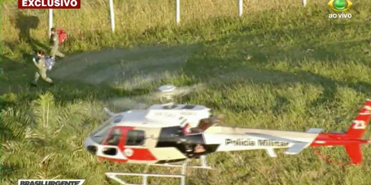 Vítimas de acidente de carro são resgatadas por helicóptero em Santana de Parnaíba