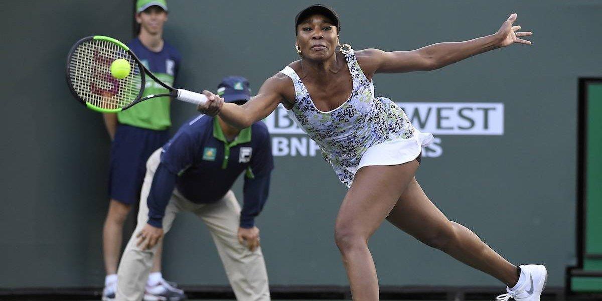 Federer y Venus Williams avanzan a semifinales en Indian Wells