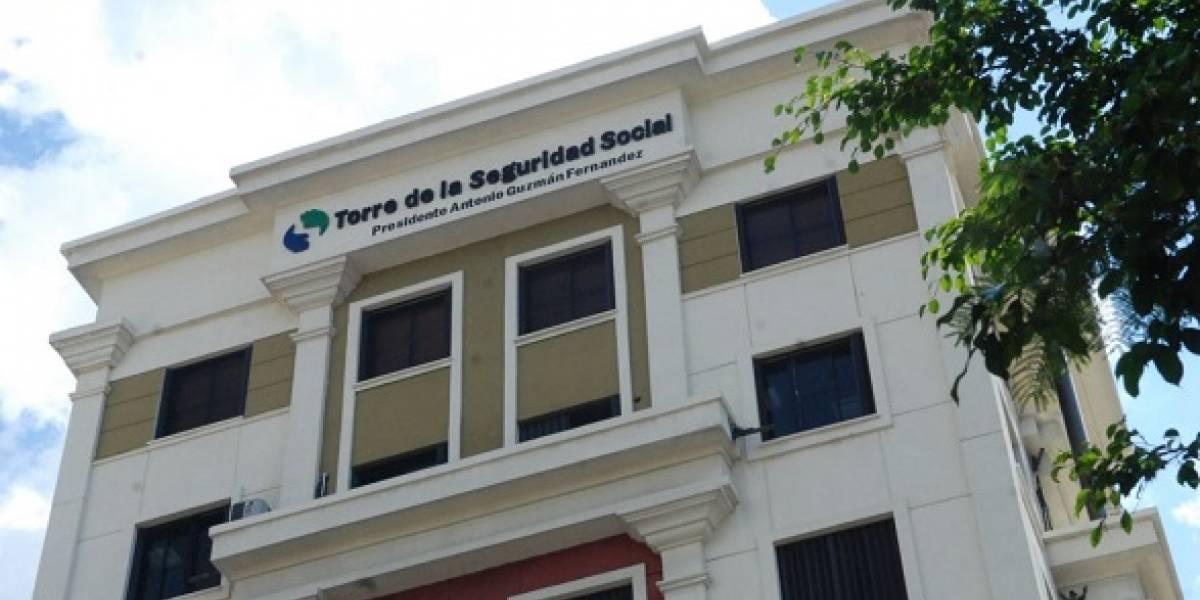 CNSS juramenta nuevos representantes del sector gubernamental