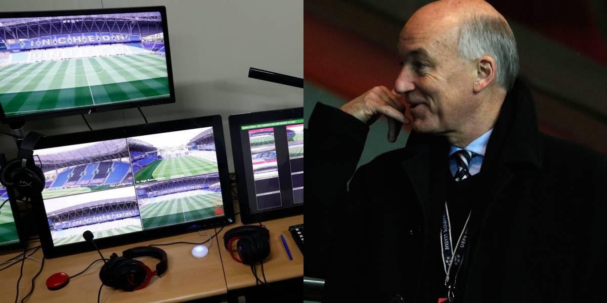 """""""El árbitro es el único que decide cuándo se revisa o no una jugada"""", director del Ifab"""