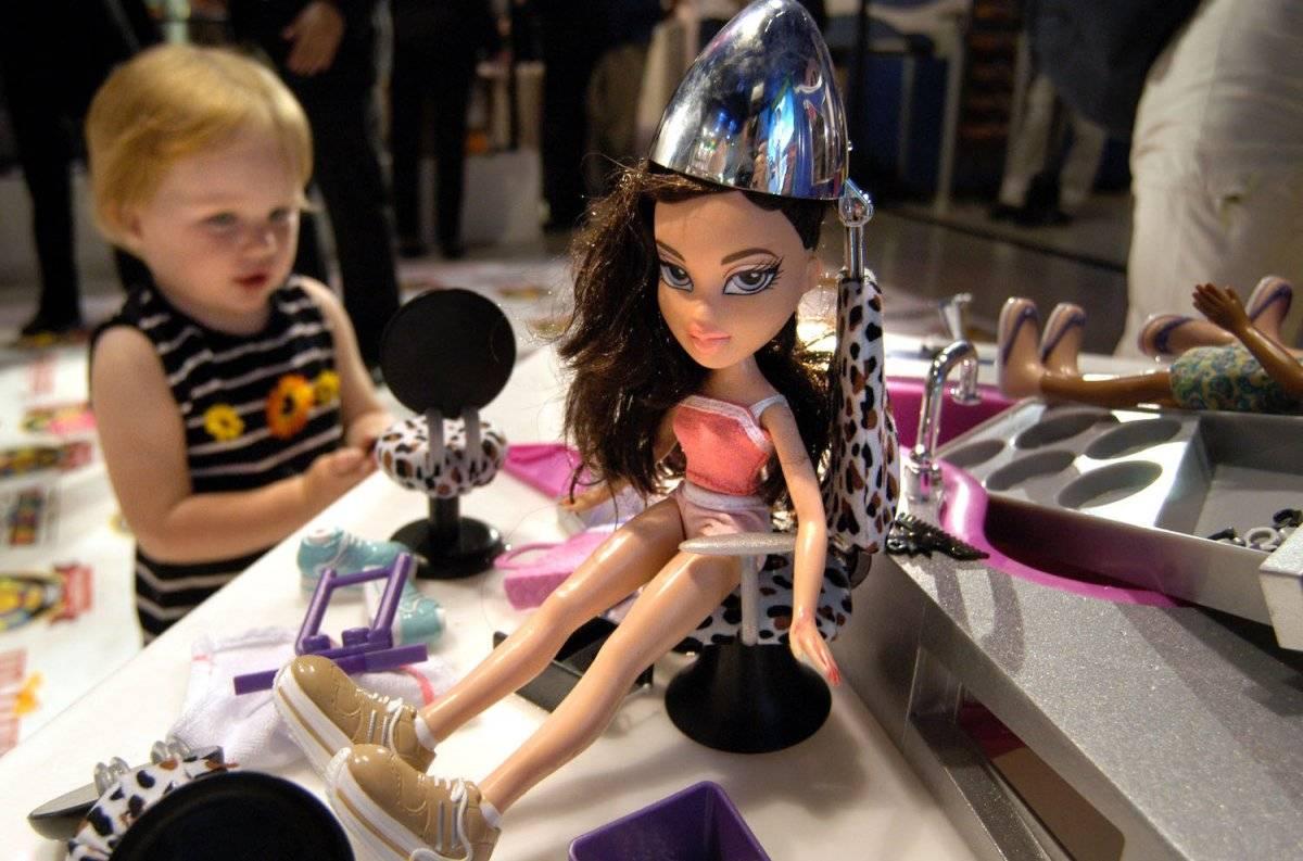 Una muñeca Radio Disney Pop Dreamer es presentada en los premios anuales del juguete, celebrada en la tienda Toys R Us en Times Square, el 3 de octubre de 2002 en Nueva York. Foto: Getty Images
